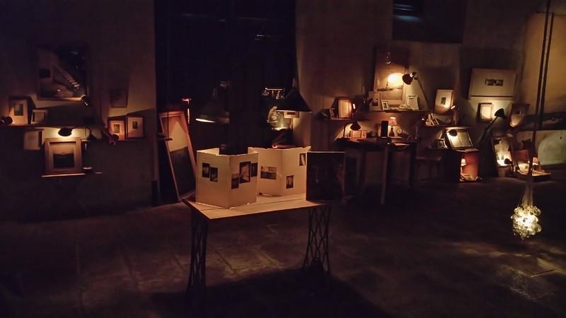 installation photographique de juanan requena au pilori de niort jusqu 39 au 6 mai arts plastiques. Black Bedroom Furniture Sets. Home Design Ideas